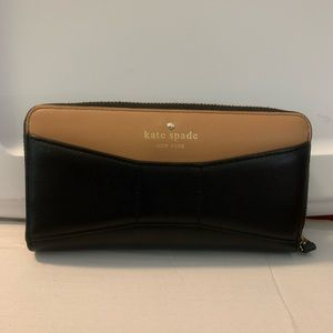 Kate Spade - Wallet -Beautiful